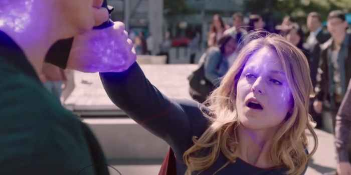 Supergirl-Fights-The-Parasite-in-Parasdise-Lost