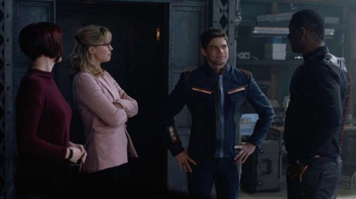 supergirl-back-from-the-future-pt-1-recap-1204533-1280x0